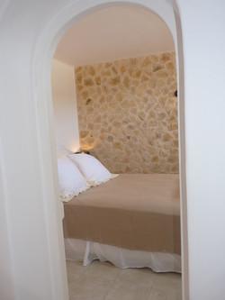 24. lower groundfloor double bedroom.JPG