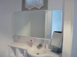 35. Lowerground floor shower & WC.JPG