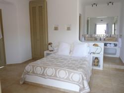 3.+Double+bedroom+with+en-suite.JPG