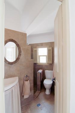 3.upper ground floor shower & WC.jpg