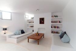 2.+Lower+groundfloor+sitting+room+or+twin+bedroom.jpg