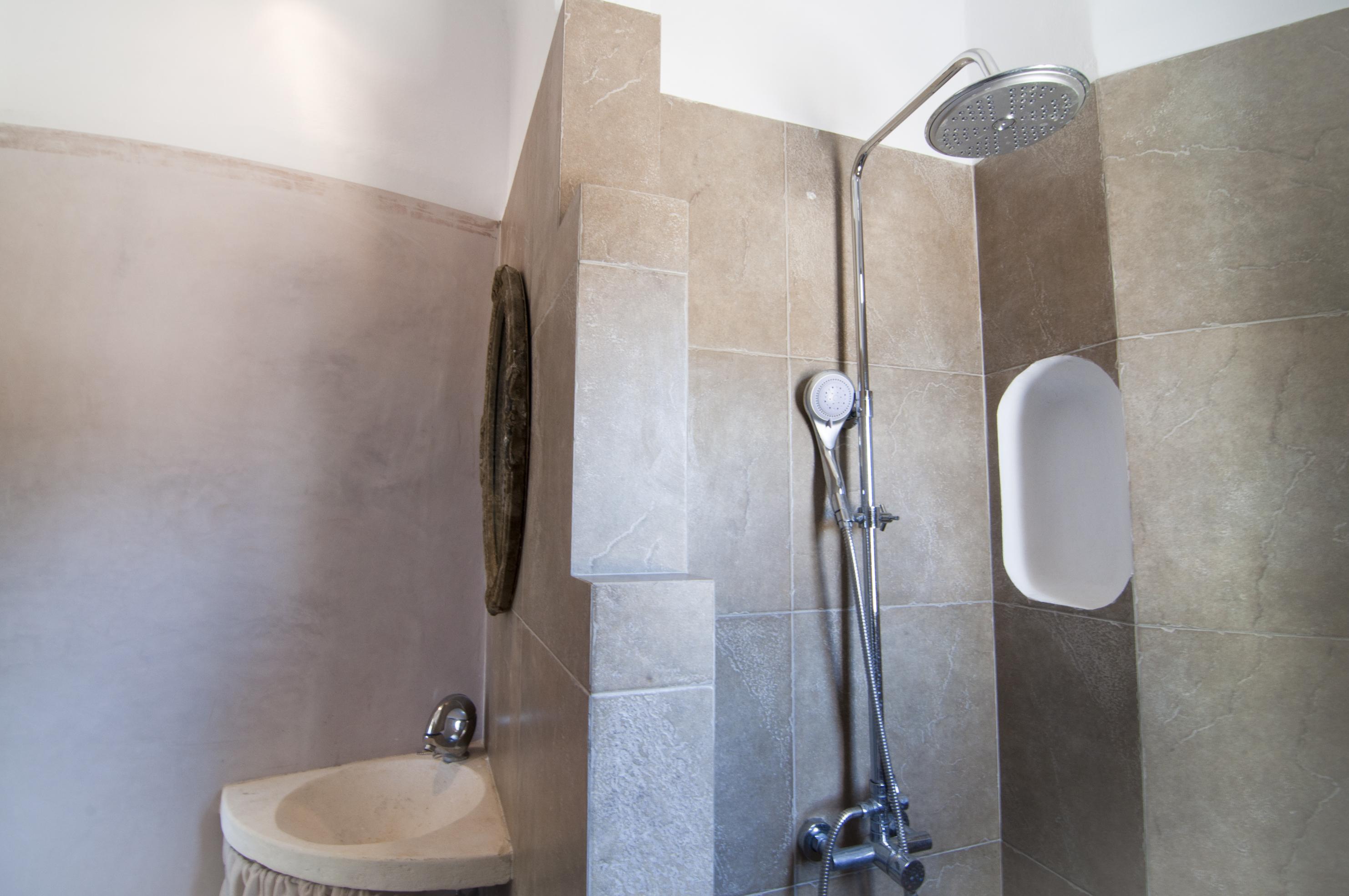 4.+Shower.jpg
