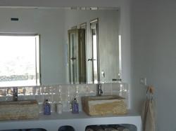 2.+Elia+bathroom.JPG