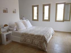 5.+Upper+ground+floor+double+bedroom.JPG