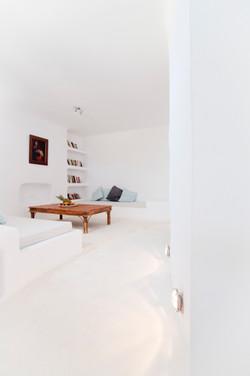 31. Lower groundfloor sitting room or twin bedroom.jpg