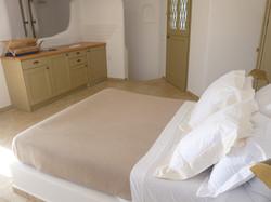 7.+Elia+kitchen-bedroom.JPG