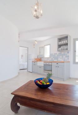 5.Sitting+room-kitchen.jpg