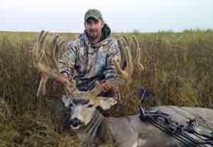 Beau Knutson - Non-Typical Velvet Mule Deer 265 3/8 (2012)