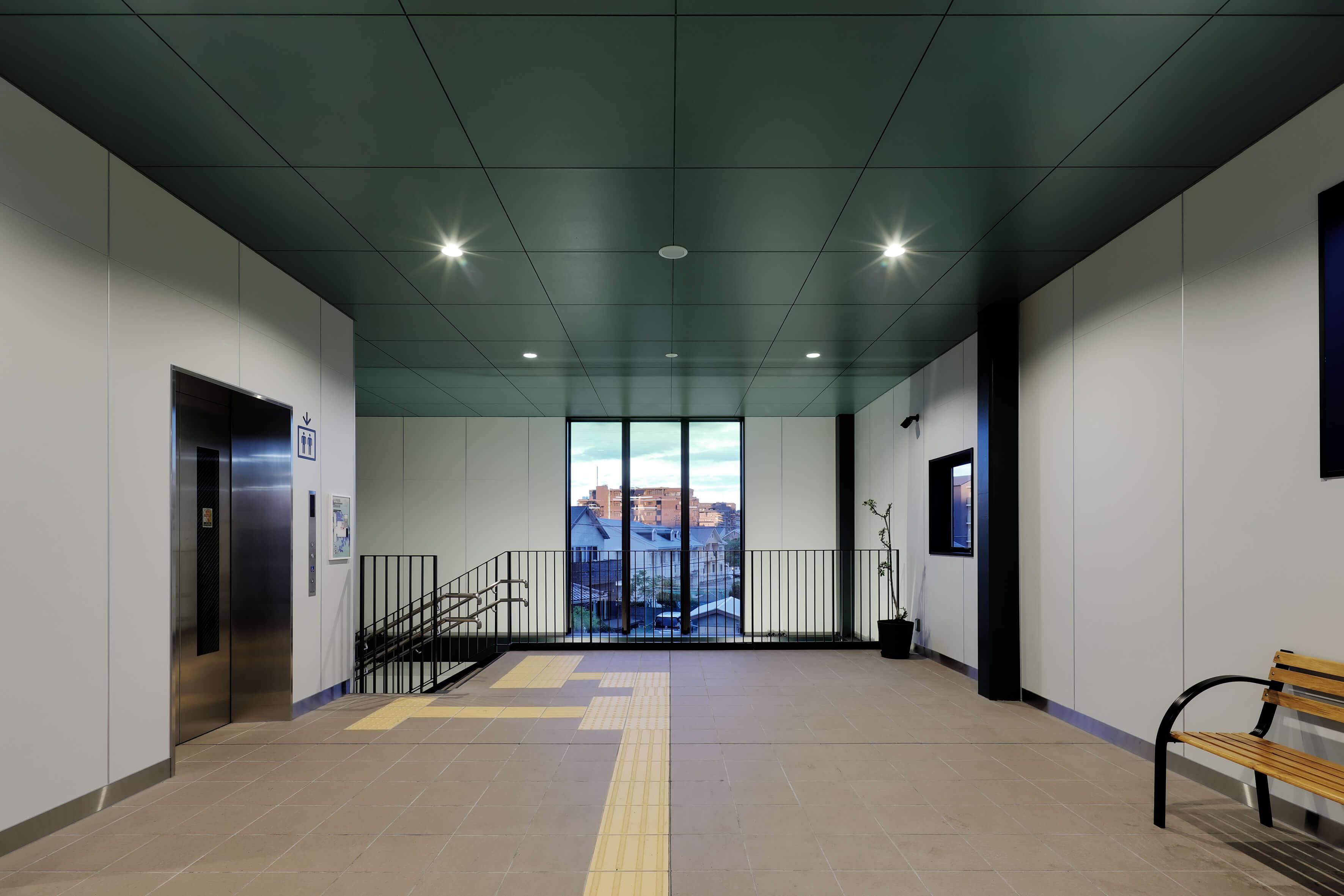 湘南モノレール 富士見町駅舎