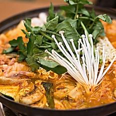 김치전골 Kimchi Jeongol