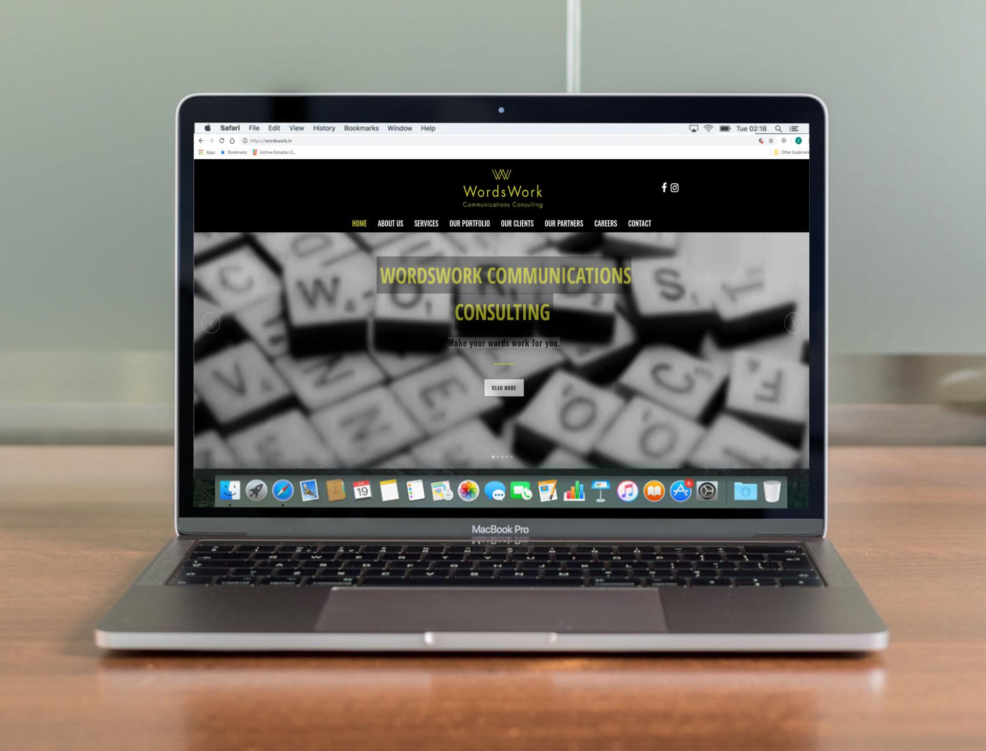 Mockup Mac Pro Dummy.jpg
