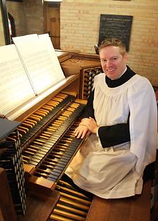 organist2.png