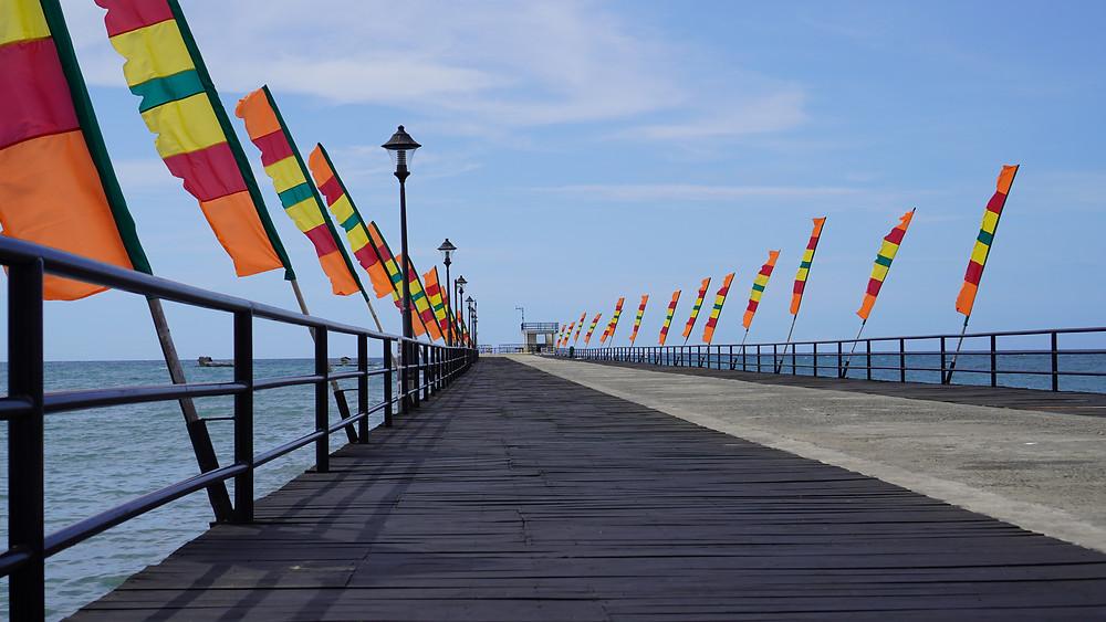 Sarado sa publiko ang Longest Boardwalk sa Kauswagan, Lanao del Norte ngayong panahon ng ECQ habang nananatiling protektado ang marine sanctuary na nakapaligid dito. (Photo: H.Clavite/HRS Media)