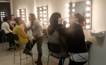 La Lips Academy Of Make-Up organizza corsi professionali dedicati a chiunque voglia fare del make-up il proprio lavoro o chiuque abbia una passione per questo mondo.   I corsi, con programmi su tutti i livelli del make-up, sono aperti a tutti con rilascio di attestato di frequenza.ttestato di frequenza.