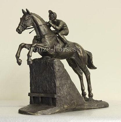 """Bronzefigur """"Steeplchaser"""""""