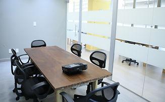Sala reunião_edited.jpg