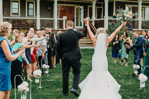 lovely_couple_enjoying_and_celebrating_o