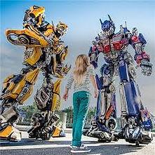 Girl looking at Transformer robots at Universal Studios