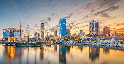 Milwaukee_Skyline_Sunset.jpg