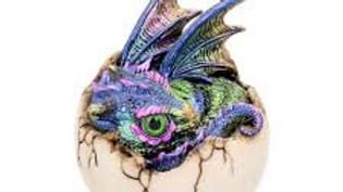 Kazon 10.5cm Dragon in egg.