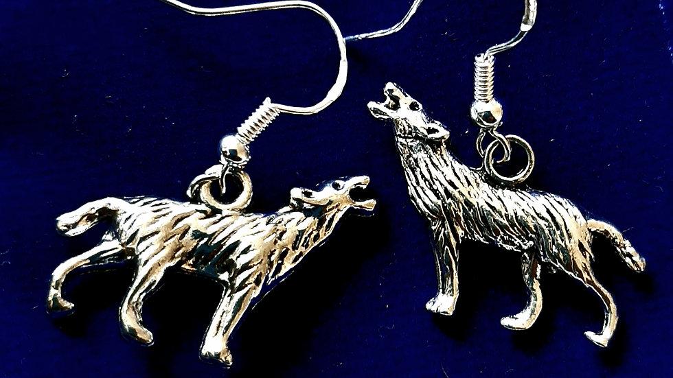Howling wolf earrings (925)