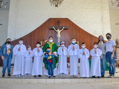 PARÓQUIA N. SRA. APARECIDA ACOLHE CRIANÇAS PARA O MINISTÉRIO DE COROINHAS