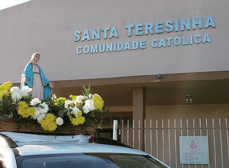 Paróquia Santa Teresinha realiza procissão motorizada