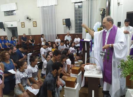 Jovens e adultos da Paróquia São José Operário realizaram ritos de escrutínio