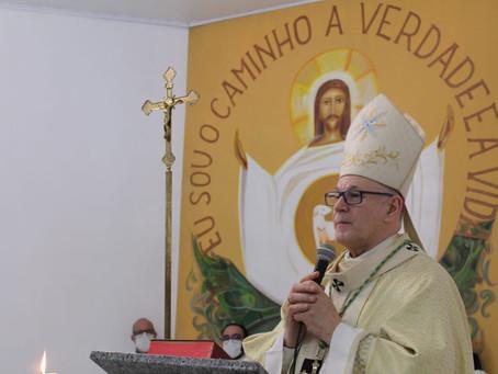 COMUNIDADE CELEBRA PADROEIRO E DOM JACINTO INSTITUI MINISTÉRIO DE LEITOR E ACÓLITO