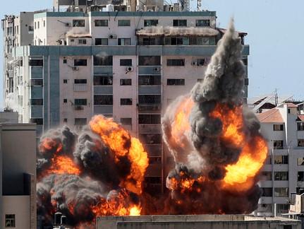 Israeli Airstrikes Killed 33 Palestinians Sunday as Hamas Fired Morning Rockets into Israel