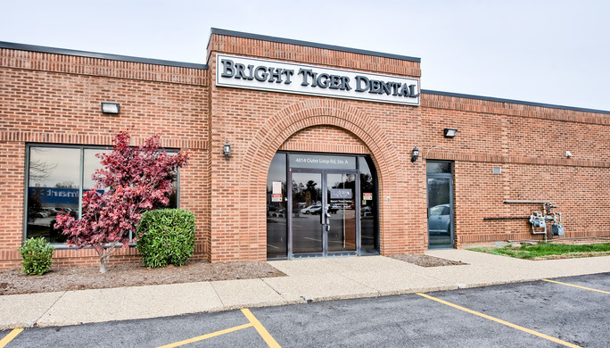 outer-loop-dental-exterior-entrance.jpg
