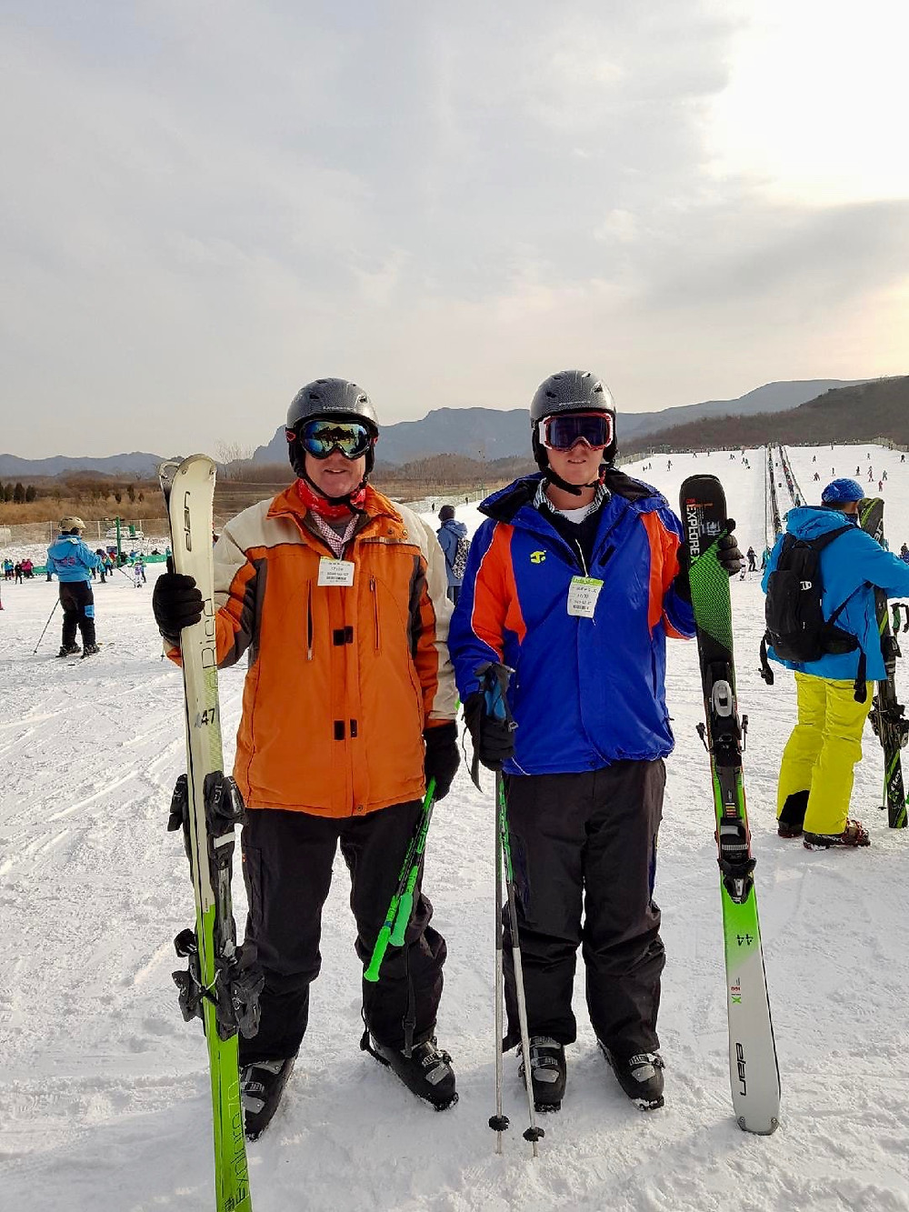 Leo & Clancy ready to hit the slopes