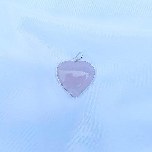 Pingente coração quartzo rosa.