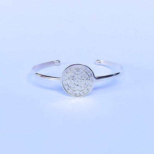 Bracelete medalha de São Bento, tamanho regulável.