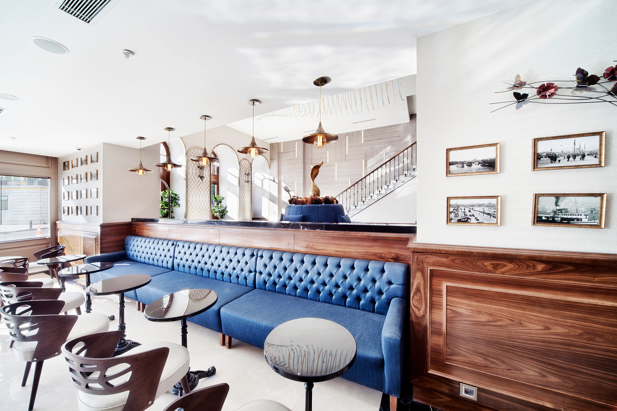 Pera Lounge