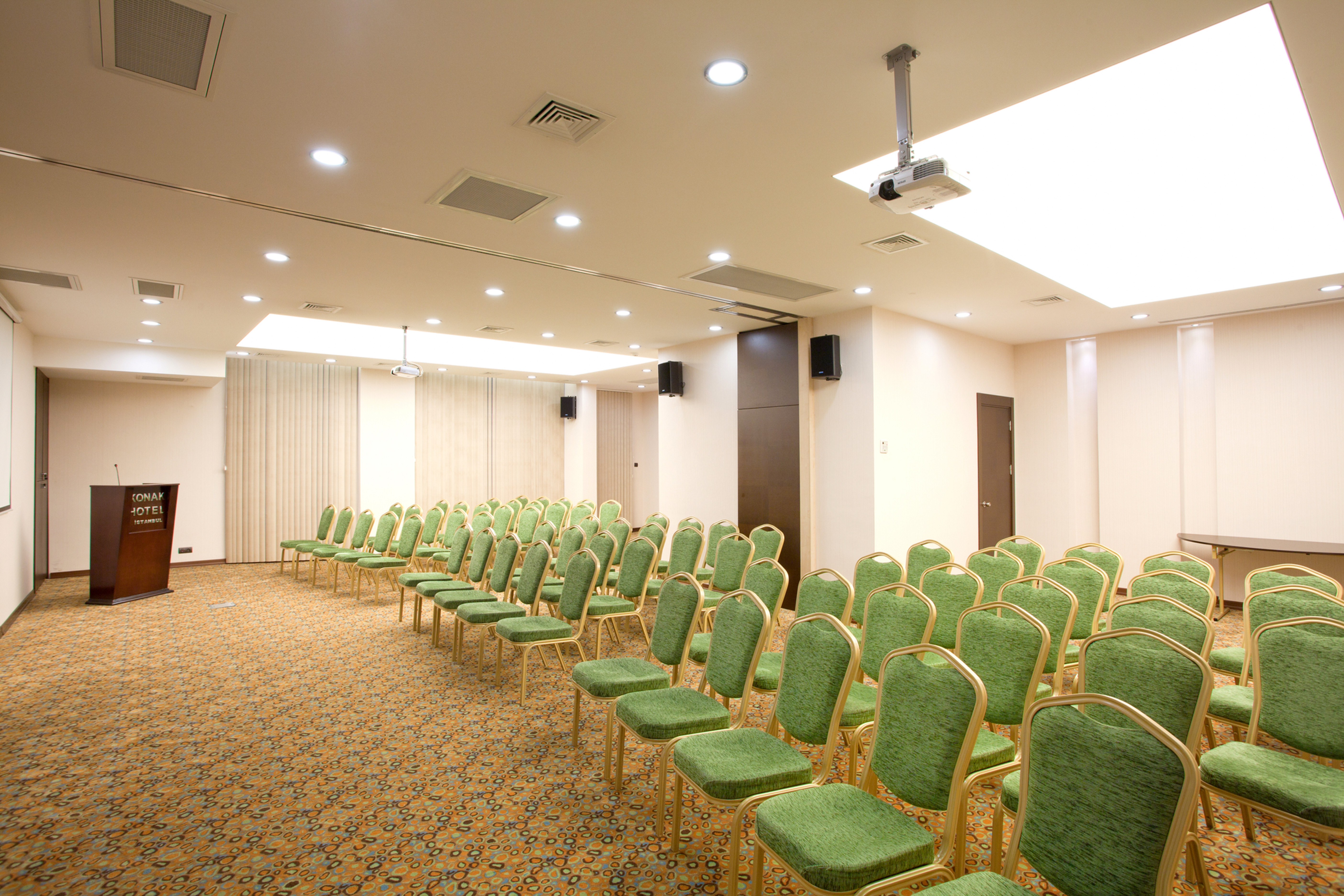Taxim Bergama Conference Meeting Room