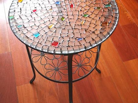 Table de salon et plat