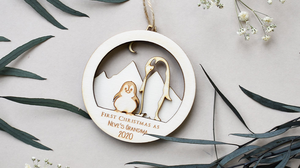 2 Penguins christmas bauble | Personalised bauble | Bauble