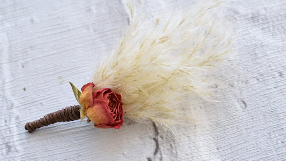 boho wedding buttonhole | Dried wedding flowers | wedding flowers
