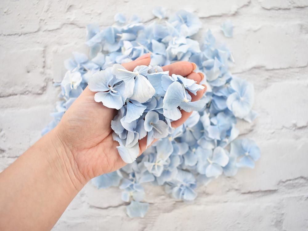 wedding confetti | biodegradable confetti | blue confetti