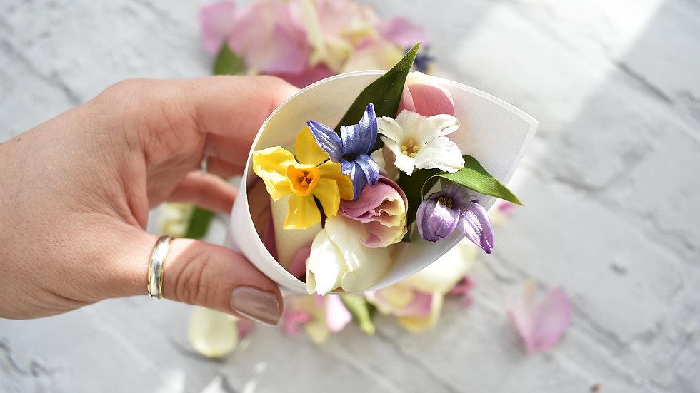 Daffodil Confetti | Biodegradable Confetti | Wedding Confetti