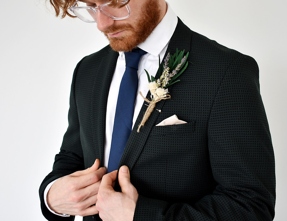 Buttonholes   Dried Flowers   Flowers for Wedding