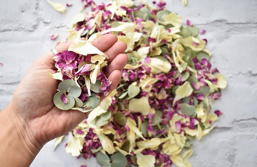 Biodegradable Confetti | Wedding Confetti | Rose Petal Confetti
