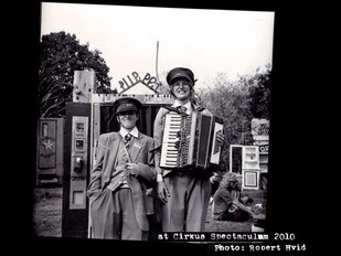 Kim & Keld at work with their vending machine