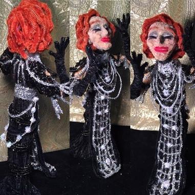 Norma Desmond r.jpg