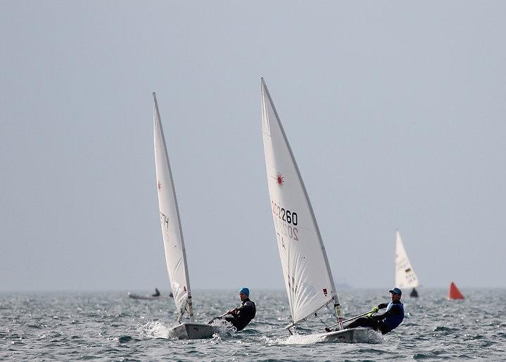 sailing-1416845_1280.jpg