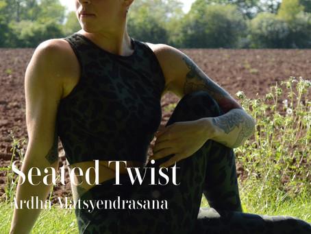 DAY 14 - Seated Twist #wildlove30days