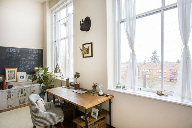 Engaging Interior Design in a Queen Anne Rental