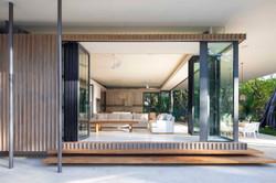Tropical-Beach-House-9
