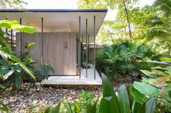 Tropical-Beach-House-5